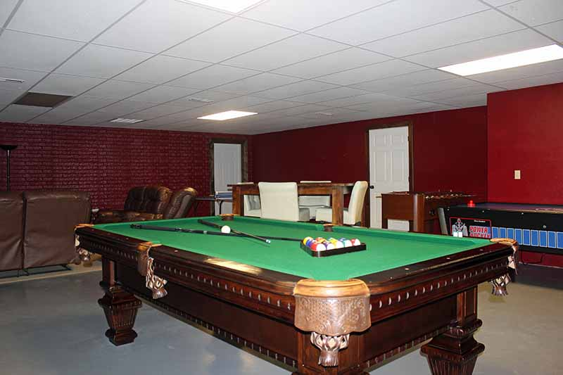 Amenities - Pool Table