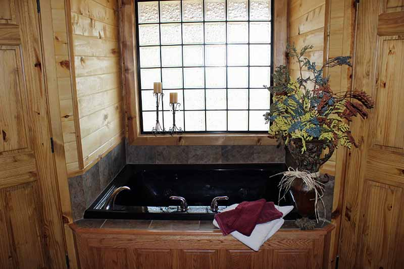 Accommodations - Master Bath