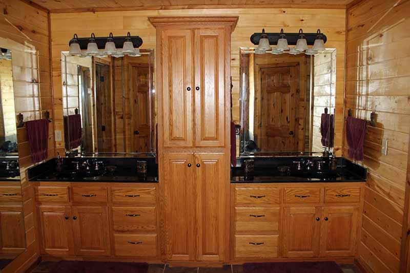 Accommodations - Master Bathroom